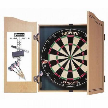 Комплект для дартс Striker Home Darts Centre